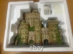 Department 56 Dicken's Village Windsor Castle #58720 Historic Landmark Series