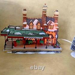 Dept 56 Dickens' Village Old Queensbridge Station 58443 Complete Retired 1999