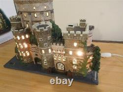Dept 56 Dickens Village Windsor Castle Historical Landmark Series